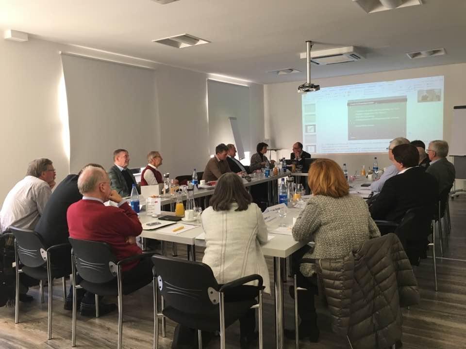 Seminarraum mit Teilnehmern